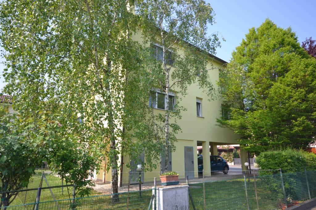 Appartamento in Affitto a San Giovanni In Persiceto Centro: 71 mq