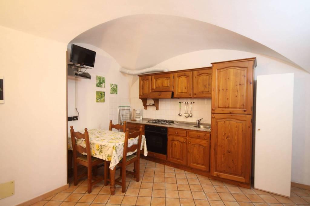 Appartamento in vendita a Chiusanico, 2 locali, prezzo € 45.000 | CambioCasa.it