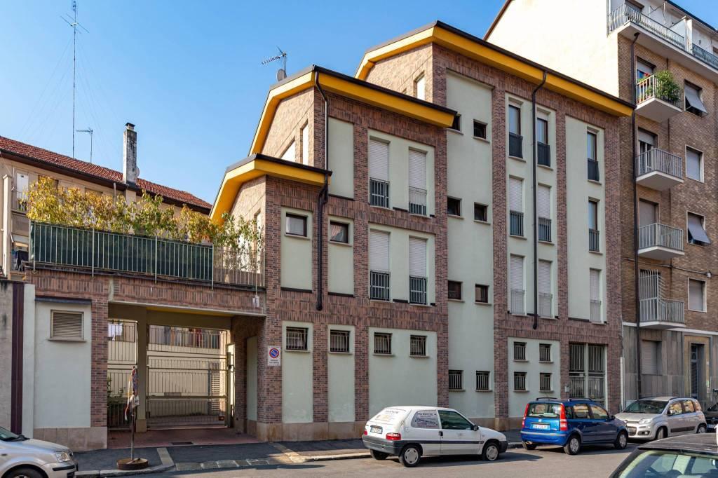 Foto 1 di Trilocale via Luigi Goytre 5, Torino (zona Lucento, Vallette)