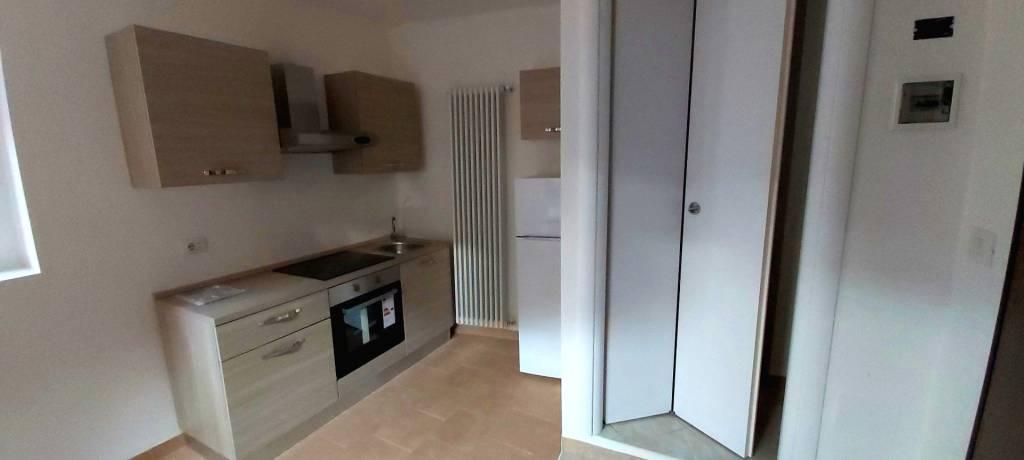 Appartamento in vendita a Longone al Segrino, 2 locali, prezzo € 59.000 | PortaleAgenzieImmobiliari.it