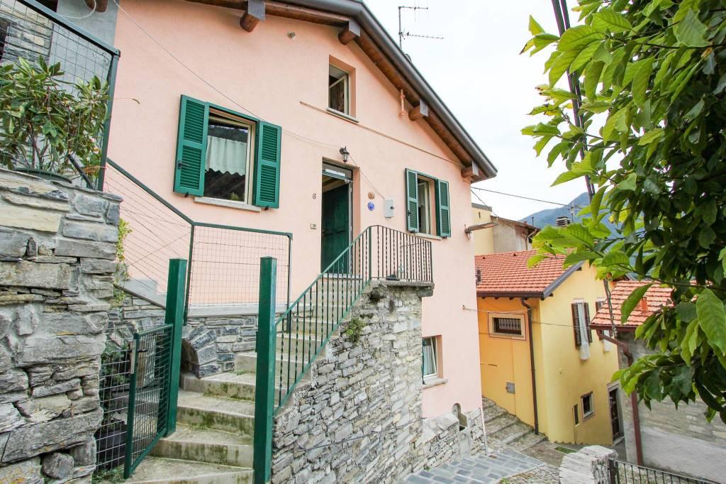 Soluzione Indipendente in vendita a Moltrasio, 4 locali, prezzo € 370.000 | CambioCasa.it
