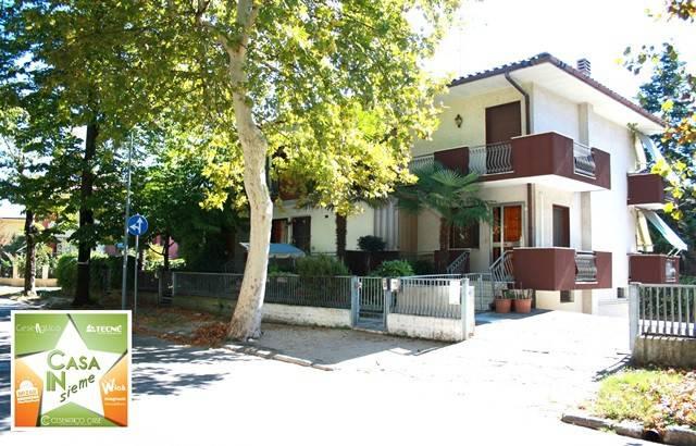 Casa indipendente in Vendita a Cesenatico Centro: 4 locali, 140 mq