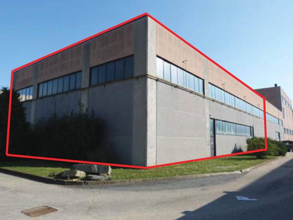 Capannone in vendita a Rivoli, 6 locali, prezzo € 360.000 | PortaleAgenzieImmobiliari.it