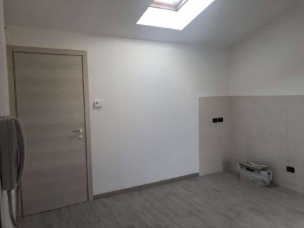 Appartamento in Vendita a Cislago