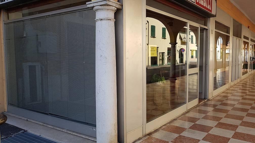 Loft / Openspace in vendita a Cassano d'Adda, 9999 locali, prezzo € 85.000 | PortaleAgenzieImmobiliari.it