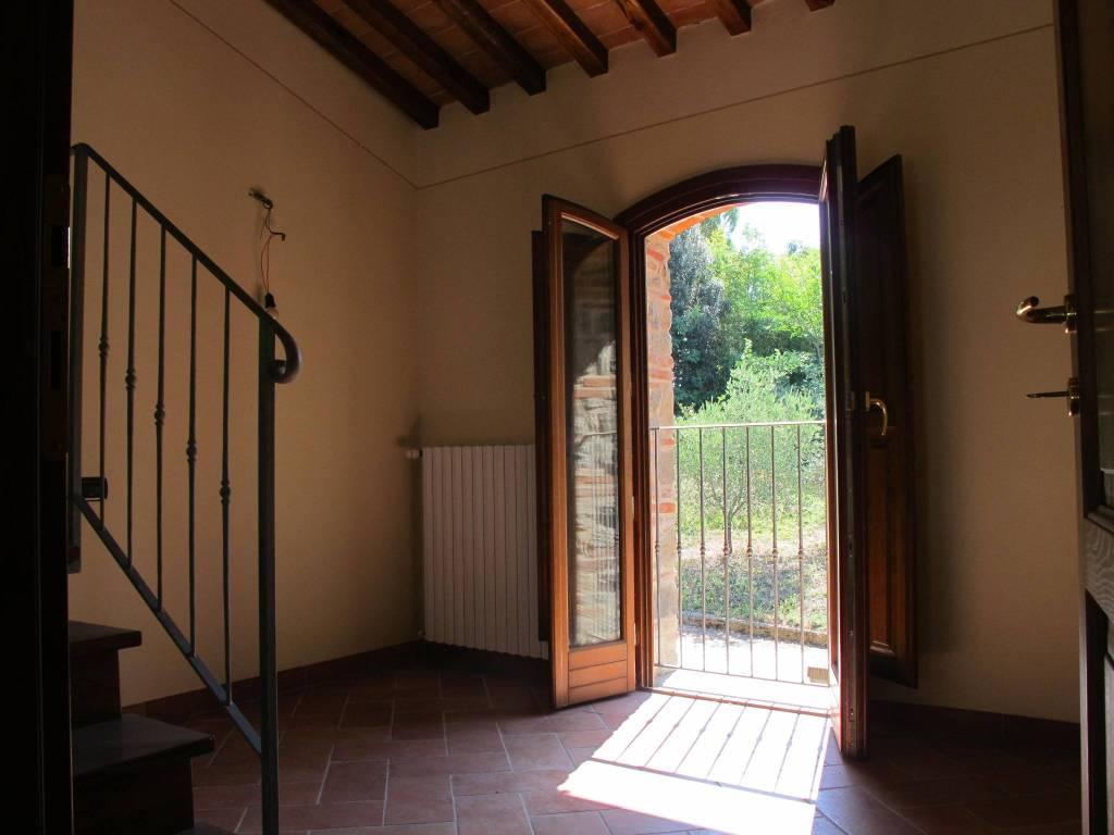 Rustico in Affitto a Serravalle Pistoiese Centro: 3 locali, 145 mq