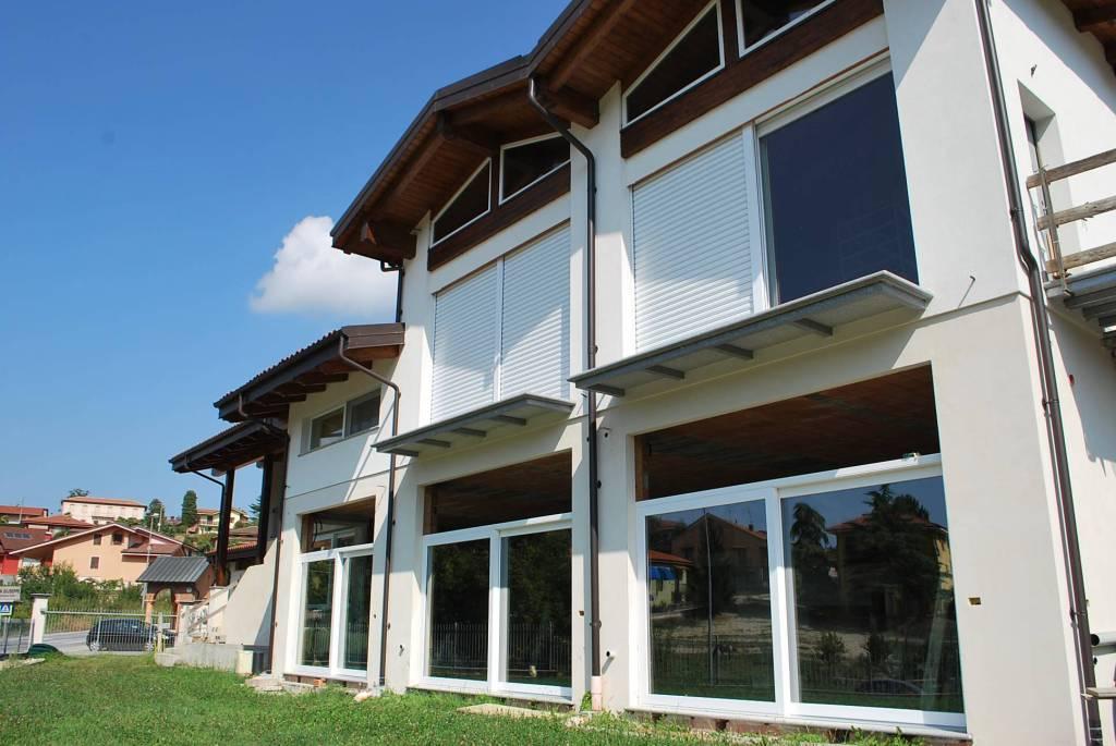 Negozio / Locale in vendita a Sommariva Perno, 4 locali, prezzo € 400.000 | PortaleAgenzieImmobiliari.it