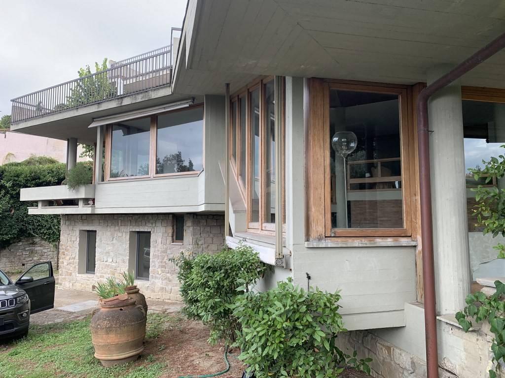 Villa in affitto a Fiesole, 8 locali, prezzo € 2.500 | CambioCasa.it