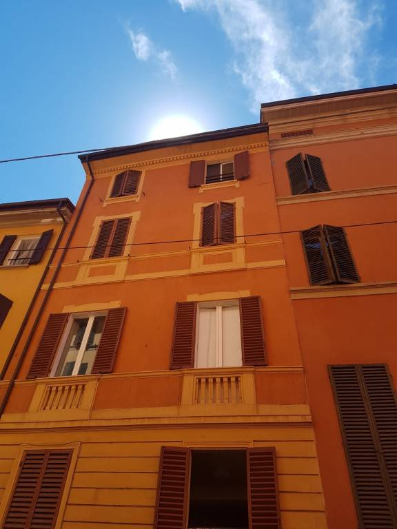 Monolocale in Affitto a Bologna Centro: 2 locali, 65 mq