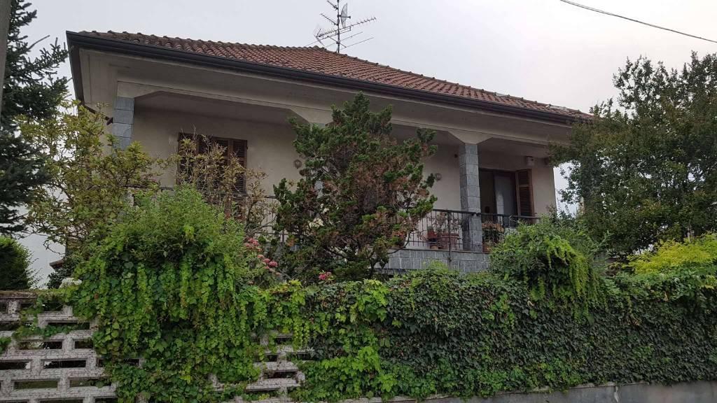 Soluzione Indipendente in vendita a Morano sul Po, 10 locali, Trattative riservate | CambioCasa.it
