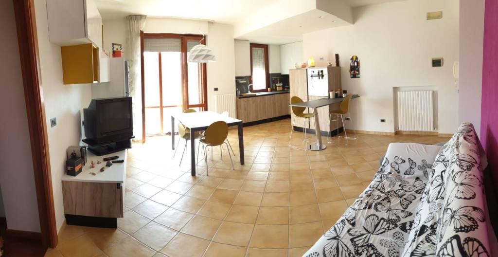 Appartamento in vendita a Civitanova Marche, 3 locali, prezzo € 225.000 | CambioCasa.it