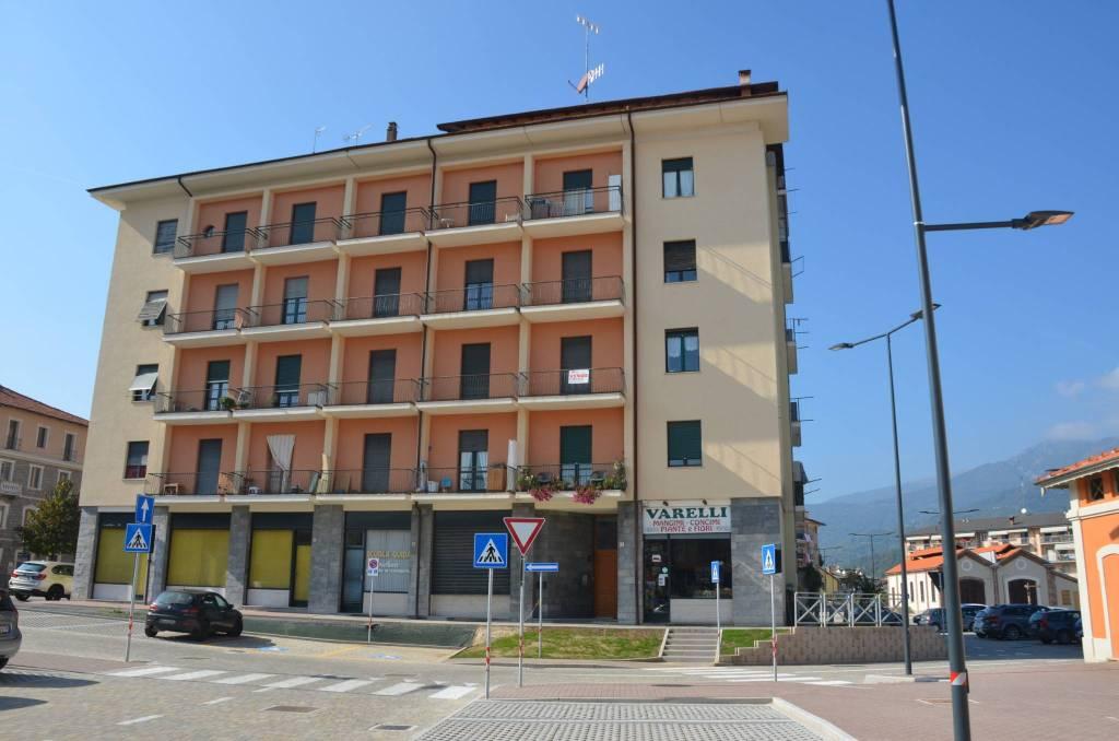 Appartamento in buone condizioni in vendita Rif. 7927485