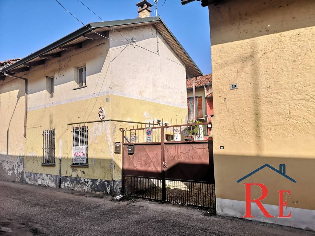 Foto 1 di Casa indipendente via Fratelli Mottura 32, Villafranca Piemonte