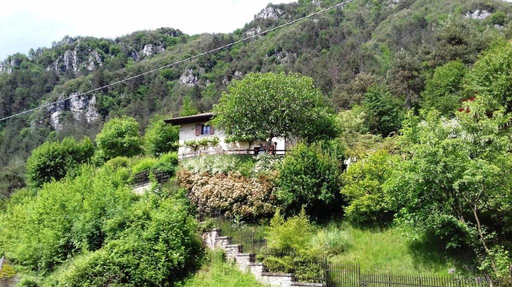 Villa in vendita a Idro, 6 locali, Trattative riservate | PortaleAgenzieImmobiliari.it