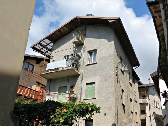 Appartamento in buone condizioni in vendita Rif. 4222141