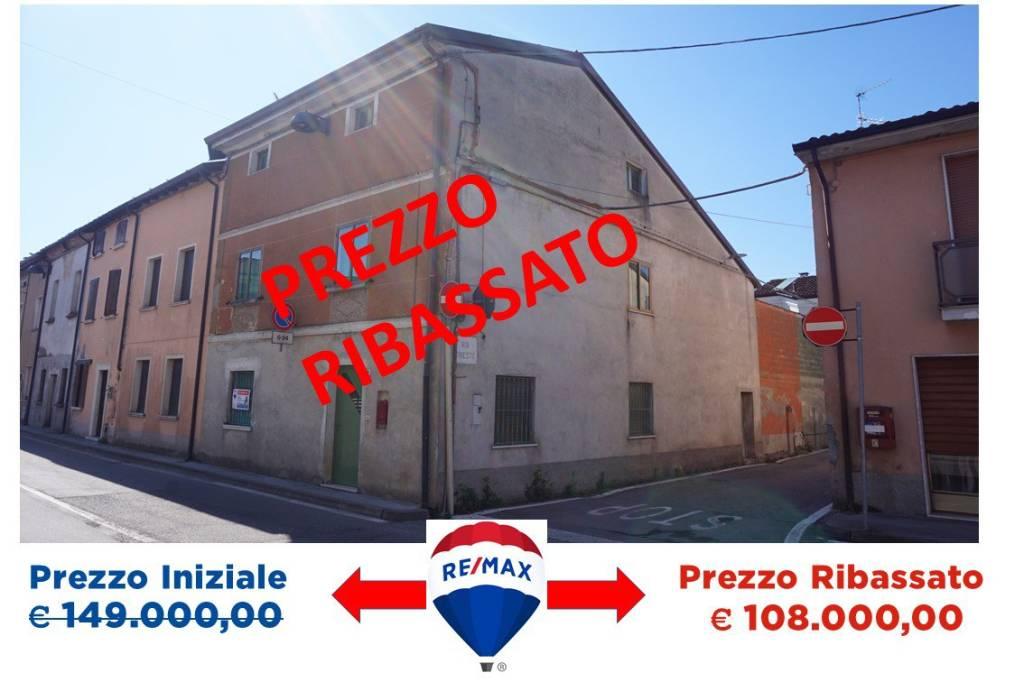 Soluzione Indipendente in vendita a Leno, 8 locali, prezzo € 149.000 | CambioCasa.it