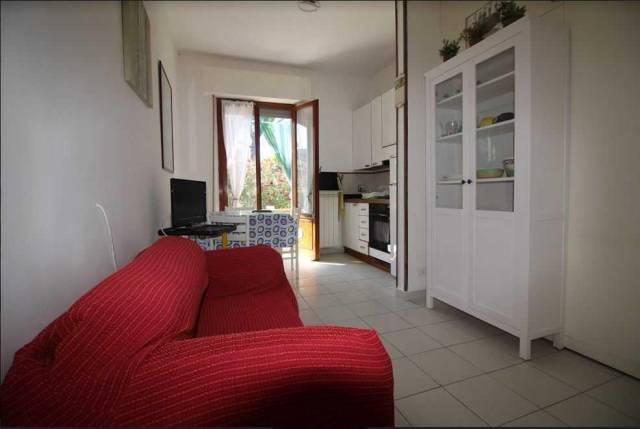 Appartamento in buone condizioni arredato in affitto Rif. 4231938