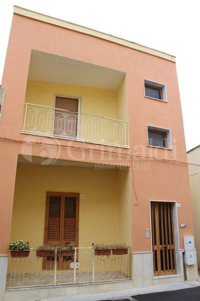 Casa indipendente in Vendita a Tuglie Centro: 5 locali, 205 mq