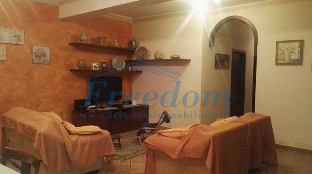 Appartamento in Vendita a Motta Sant'Anastasia Centro: 4 locali, 140 mq