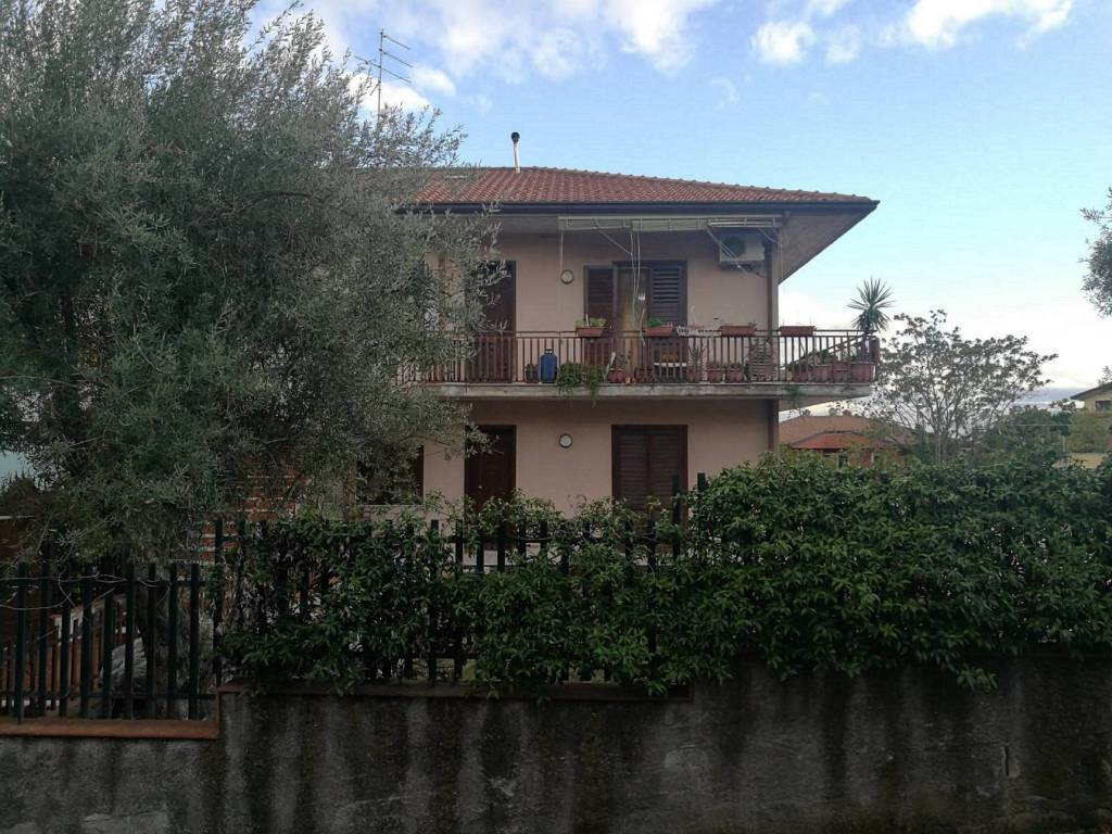 Appartamento in Vendita a Mascalucia Centro: 5 locali, 150 mq