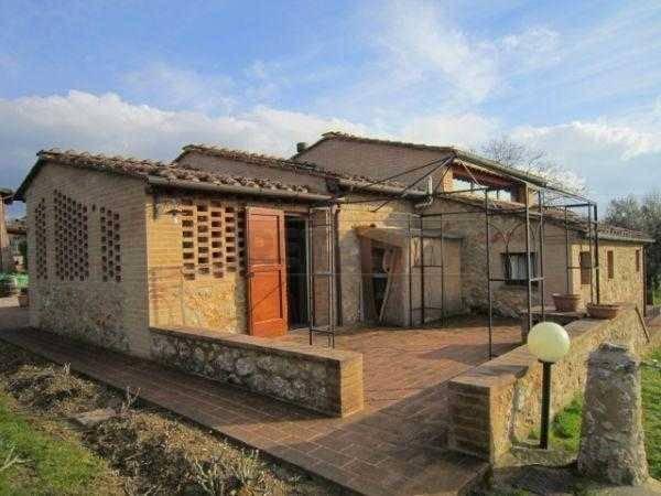 Rustico / Casale in vendita a Sovicille, 5 locali, prezzo € 690.000 | PortaleAgenzieImmobiliari.it