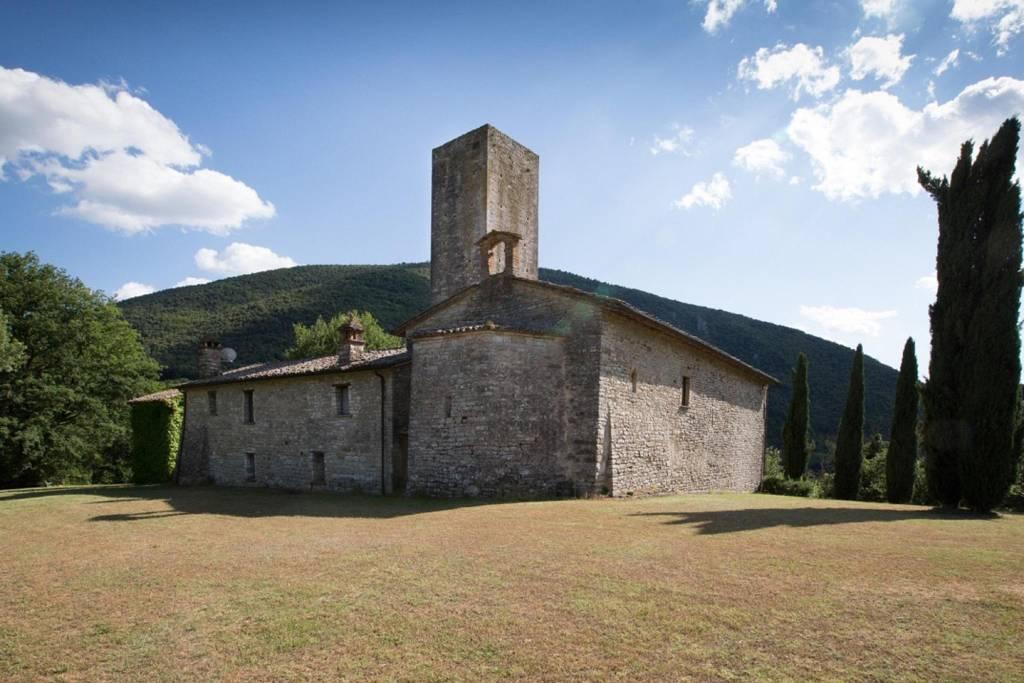 Villa in Vendita a Umbertide: 5 locali, 430 mq