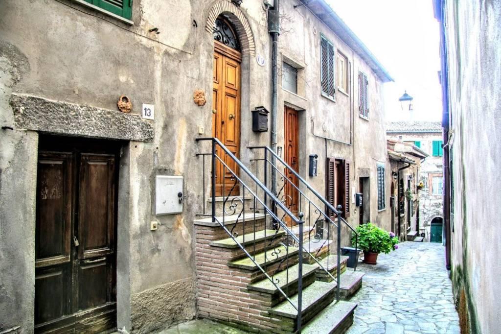 Foto 1 di Quadrilocale vicolo Farnese, 11, Latera