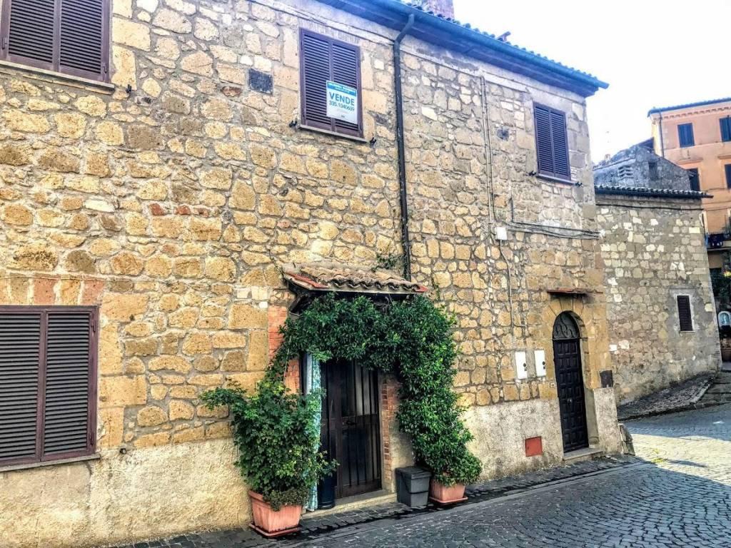 Foto 1 di Trilocale piazza Margherita, 7, Gradoli