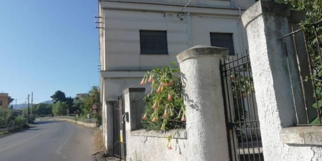 Appartamento in buone condizioni in affitto Rif. 6977553