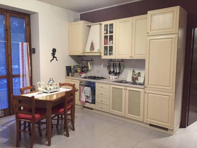 Appartamento in buone condizioni arredato in vendita Rif. 4570928