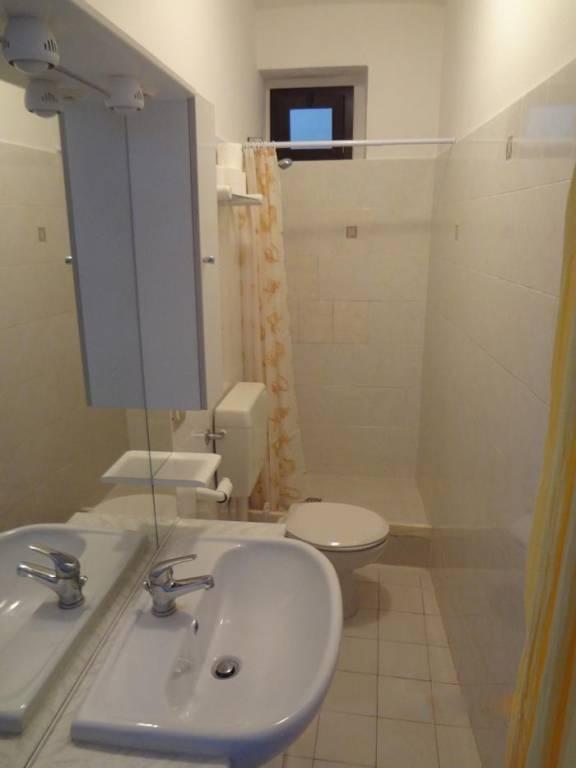 Appartamento in buone condizioni arredato in vendita Rif. 7749943