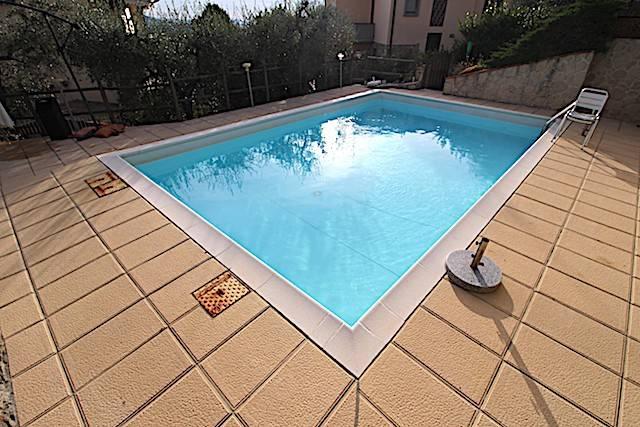 Foto 1 di Villa via Aretina, frazione Sieci, Pontassieve