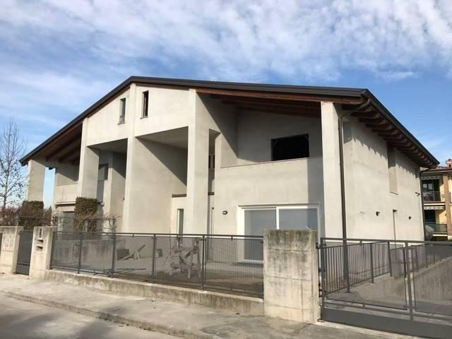 Appartamento in Vendita a Fiorenzuola D'Arda: 4 locali, 160 mq