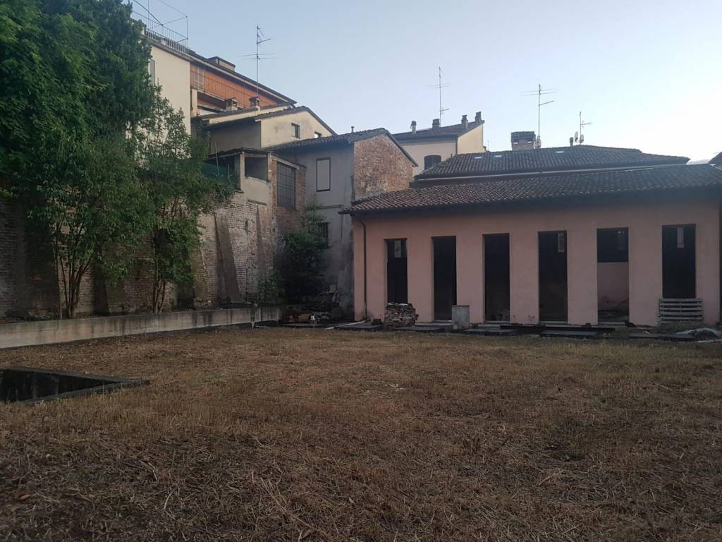 Casa indipendente in Vendita a Piacenza: 4 locali, 170 mq