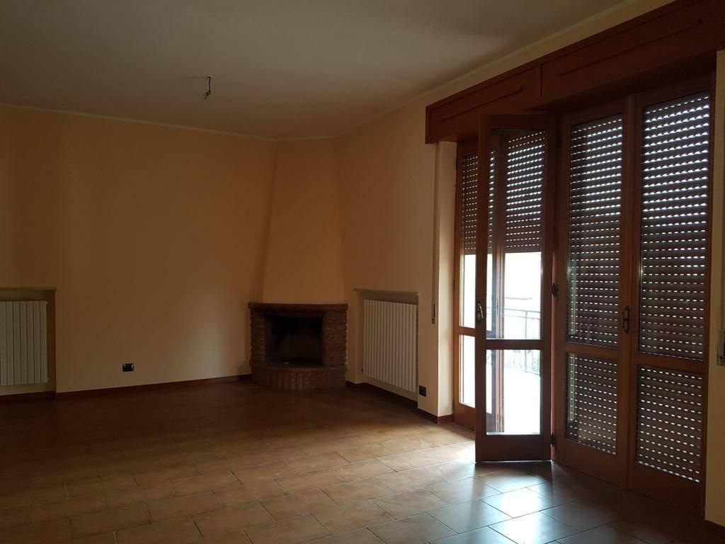 Appartamento in Vendita a Lugagnano Val D'Arda: 4 locali, 120 mq