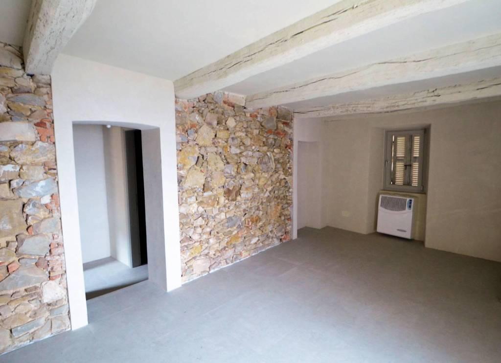 Appartamento in ottime condizioni in vendita Rif. 6511241