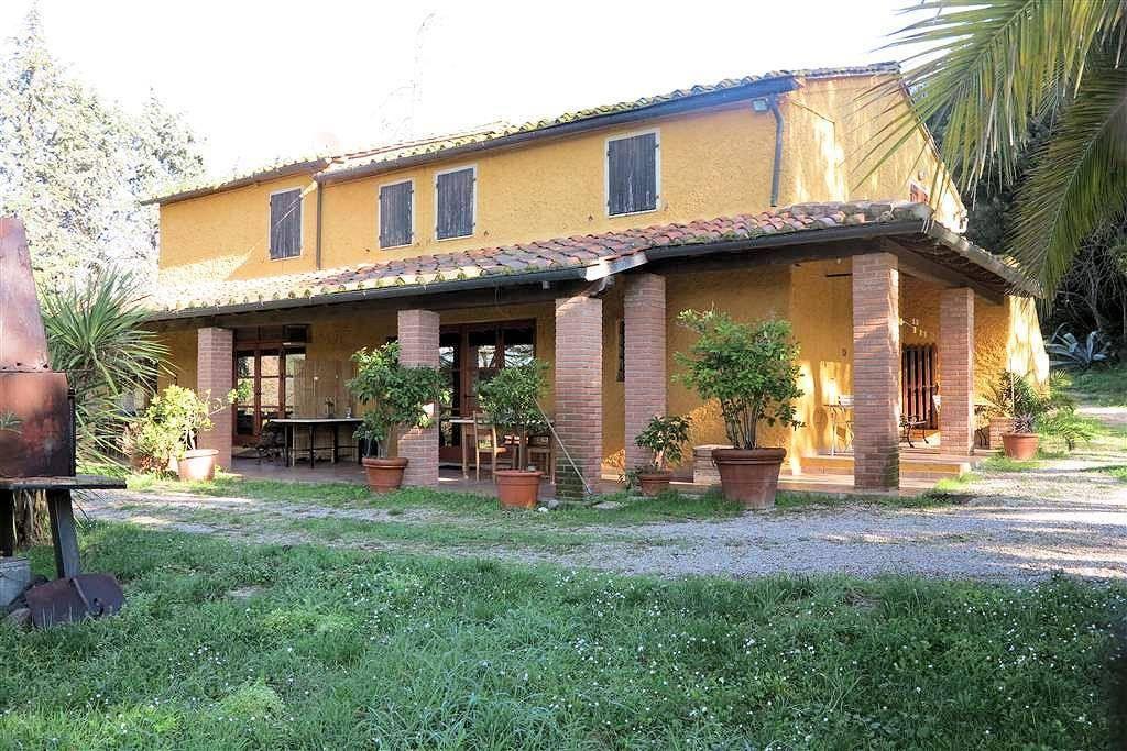 Rustico / Casale in buone condizioni arredato in vendita Rif. 5592373