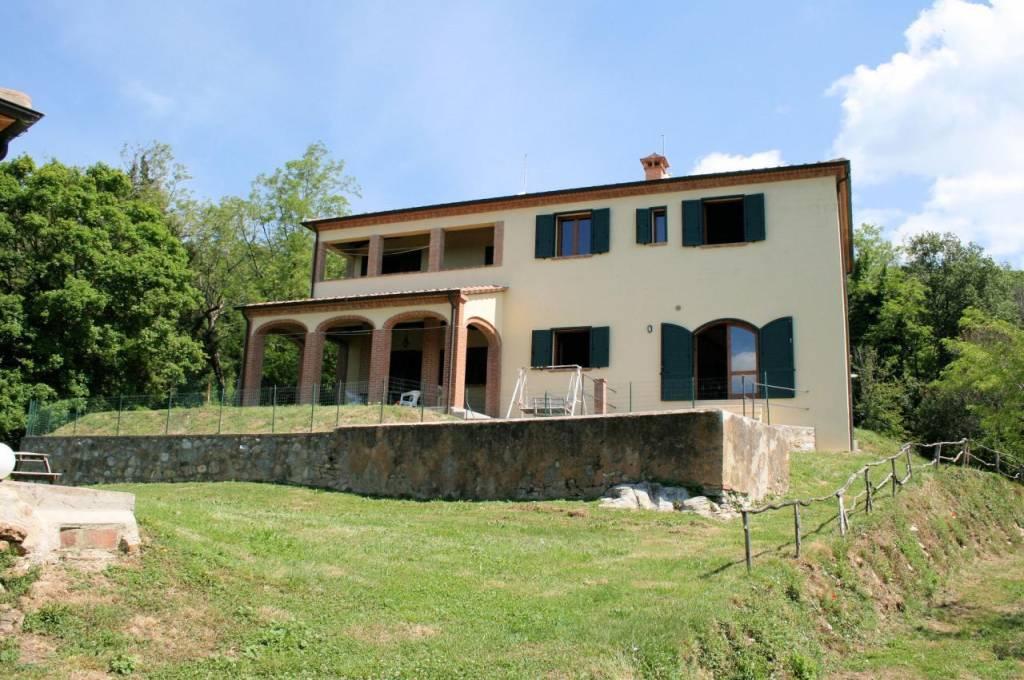 Rustico / Casale in ottime condizioni parzialmente arredato in vendita Rif. 5039340