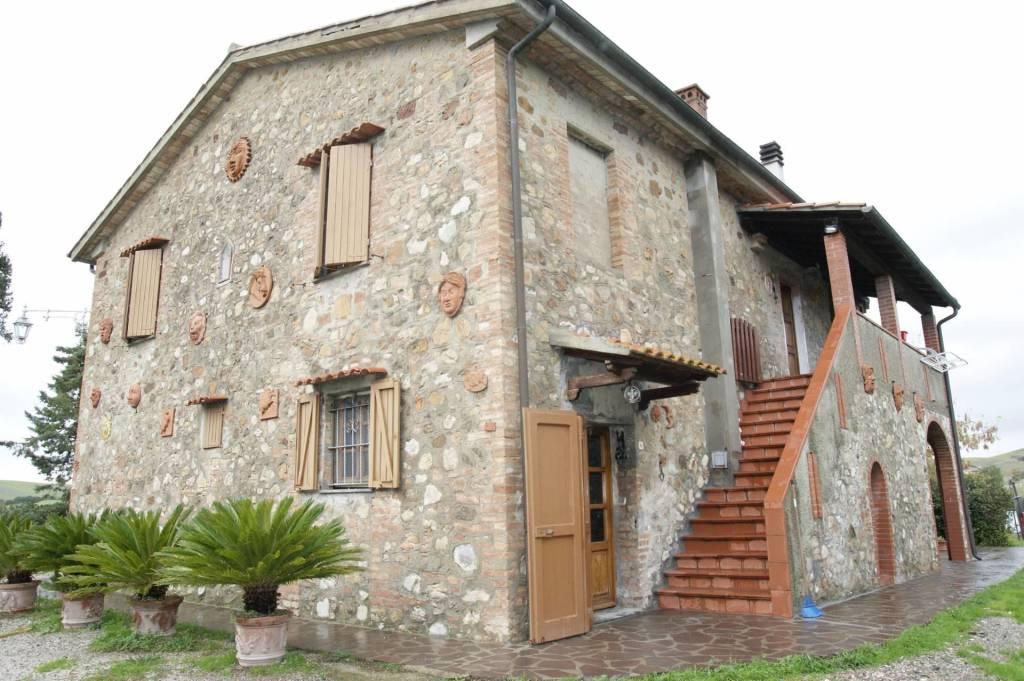 Rustico / Casale in buone condizioni in vendita Rif. 5039570
