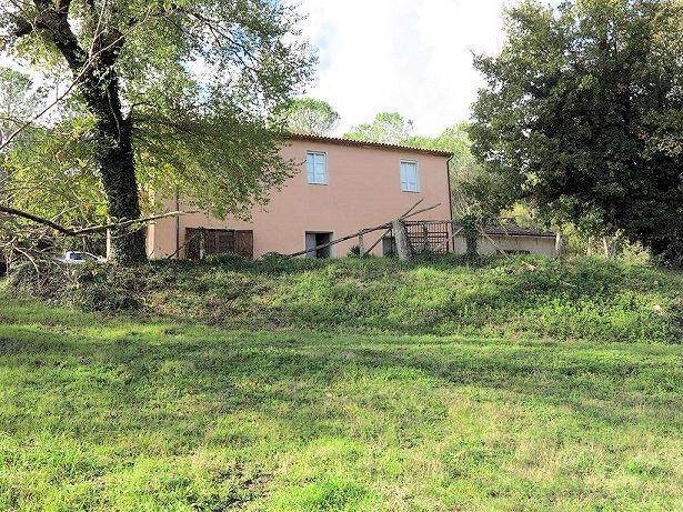 Rustico / Casale in buone condizioni in vendita Rif. 8849173