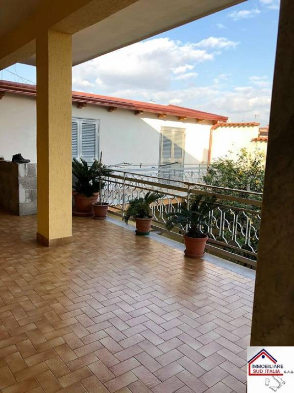 Appartamento in buone condizioni in affitto Rif. 7783798