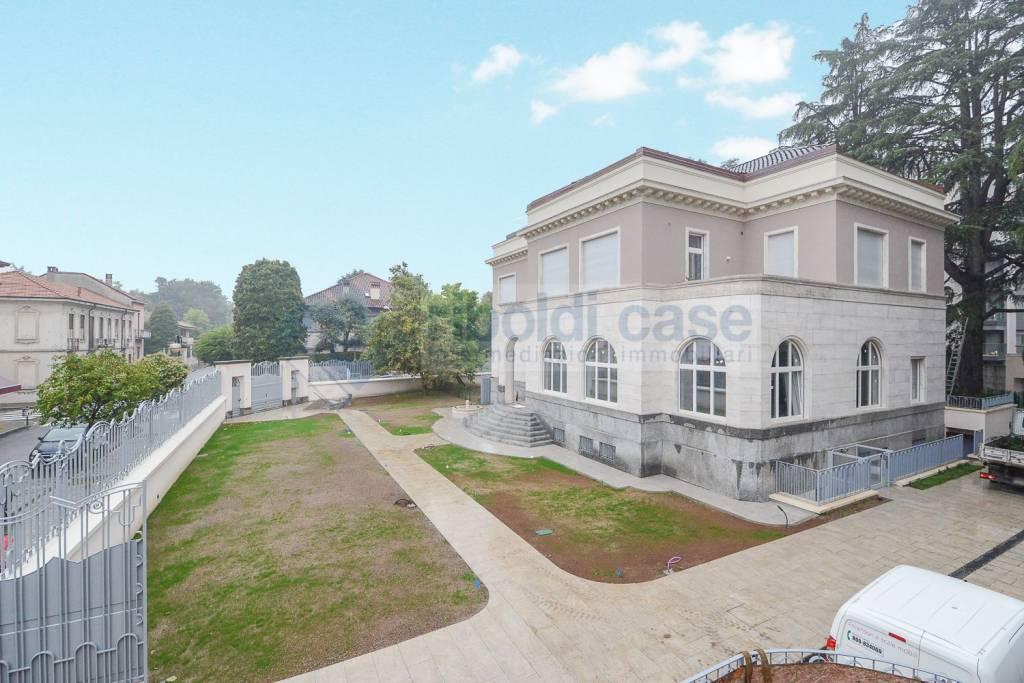 Appartamento in vendita a Seregno, 4 locali, prezzo € 738.000 | PortaleAgenzieImmobiliari.it