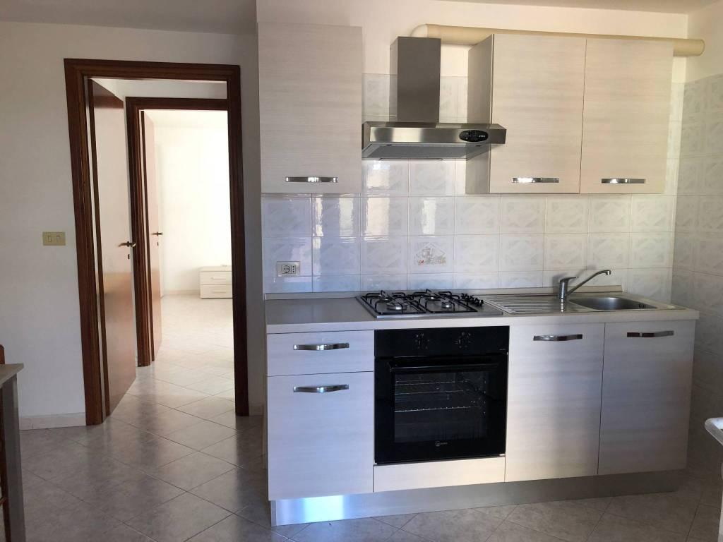 Appartamento in buone condizioni arredato in affitto Rif. 7945237