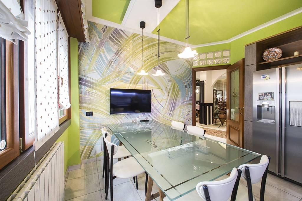 Appartamento in vendita a Cinisello Balsamo, 4 locali, prezzo € 450.000 | PortaleAgenzieImmobiliari.it