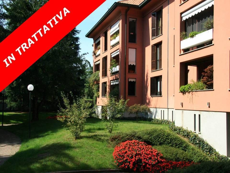 Appartamento in buone condizioni in vendita Rif. 6806522