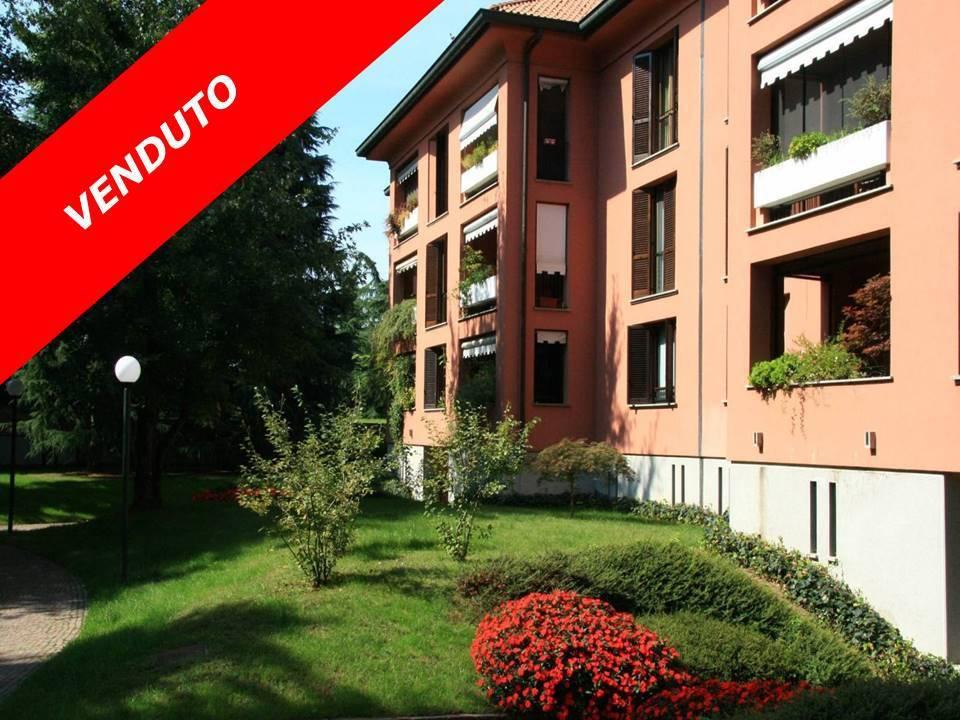 Appartamento in buone condizioni in vendita Rif. 6447618