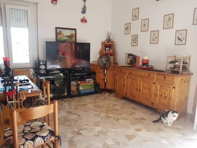 Appartamento in buone condizioni in vendita Rif. 8619301