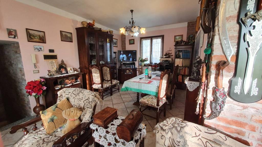 Foto 1 di Casa indipendente via Tiburizo, San Martino Canavese