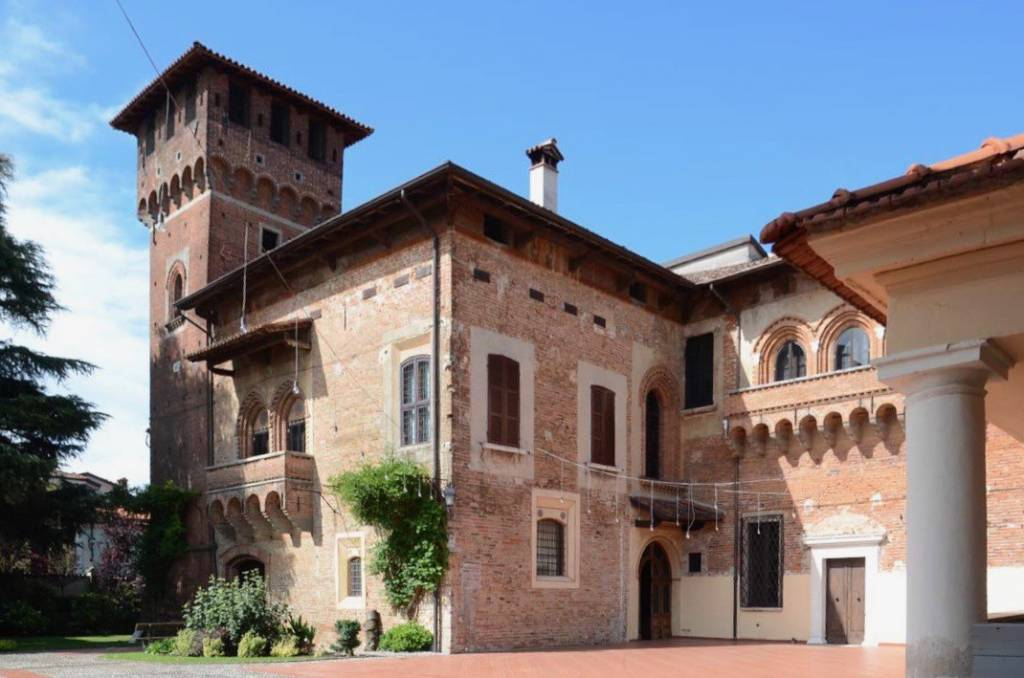 Palazzo / Stabile in vendita a Dello, 42 locali, Trattative riservate | PortaleAgenzieImmobiliari.it