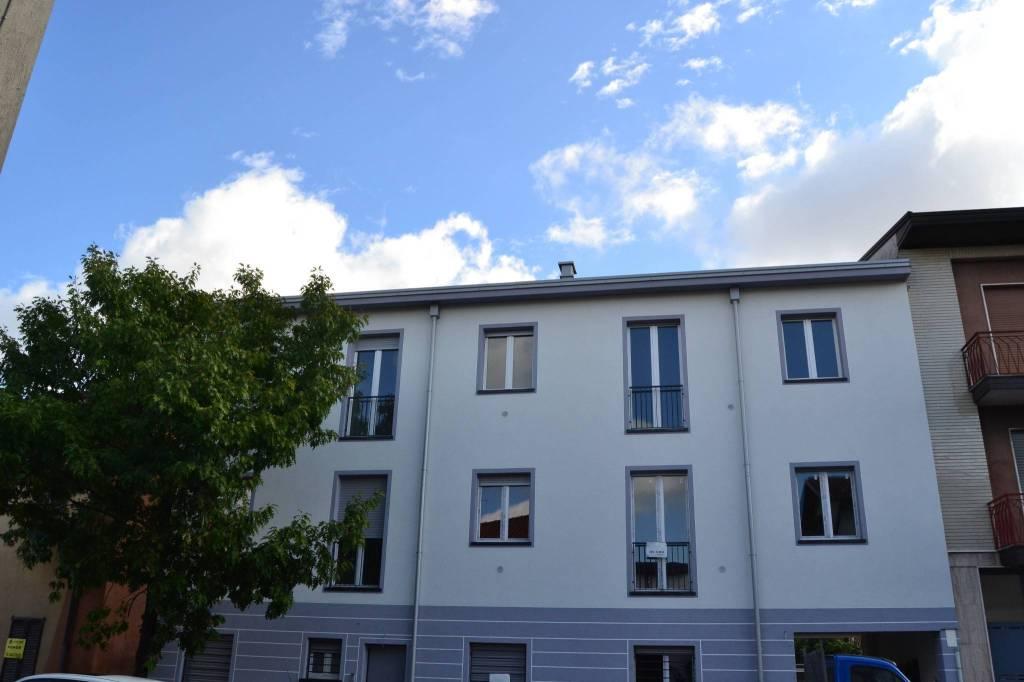 Appartamento in vendita a Seregno, 3 locali, prezzo € 170.000   CambioCasa.it